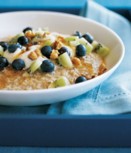 fruit-oatmeal_courtesy_of_mediacandianfamilyca