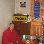 Sakyong Sponsors Tea Offering at Wayen Monastery