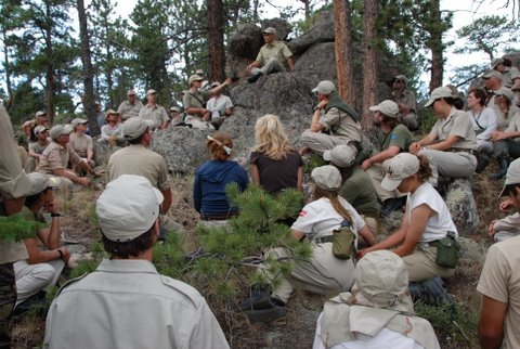 Makkyi Rabjam with the troops (SMC MPE 2008)
