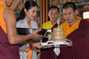 Sakyong Wango Performs Mandala Offerings