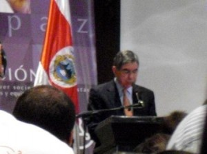 Nobel Peace Prize Winner and President of Costa Rica Oscar Arias Sanchez addresses the conference