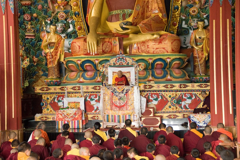His Eminence Namkha Drimed bestowing an empowerment during the Rinchen Terdzo