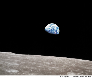 photo of an Earth Rise by astronaut William Anders