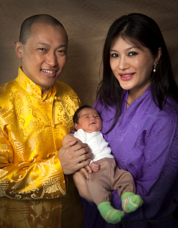 Jetsun Yudra Lhamo Yangchen Ziji Mukpo with her proud parents, photo by Benny Fong