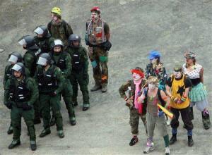 Ukrainian Revolution even has brave warrior - clowns