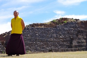 Sakyong Mipham Rinpoche at the Tzin Tzun Tzan pyramids, photo by Pablo Coddou