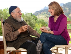 "Reb Zalman and Sara Davidson discussing ""the December project"" (photo by Carl Sudna from www.saradavidson.com)"