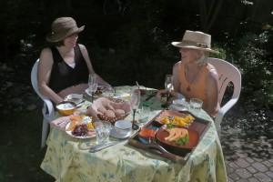 Backyard brunch with friend Shelley Pierce