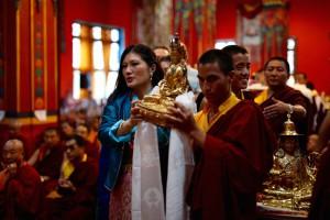 Sakyong Wagmo Offering an Amitayus Rupa