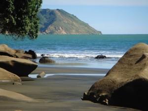 Kakamatua Beach
