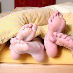 feet-684683__340